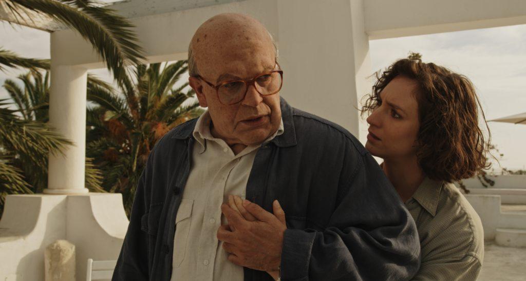 Pierfrancesco Favino e Livia Rossi in una scena del film Hammamet