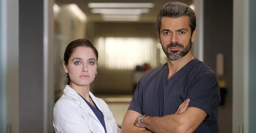 Matilde Gioli e Luca Argentero in una scena della fiction Doc - Nelle tue mani