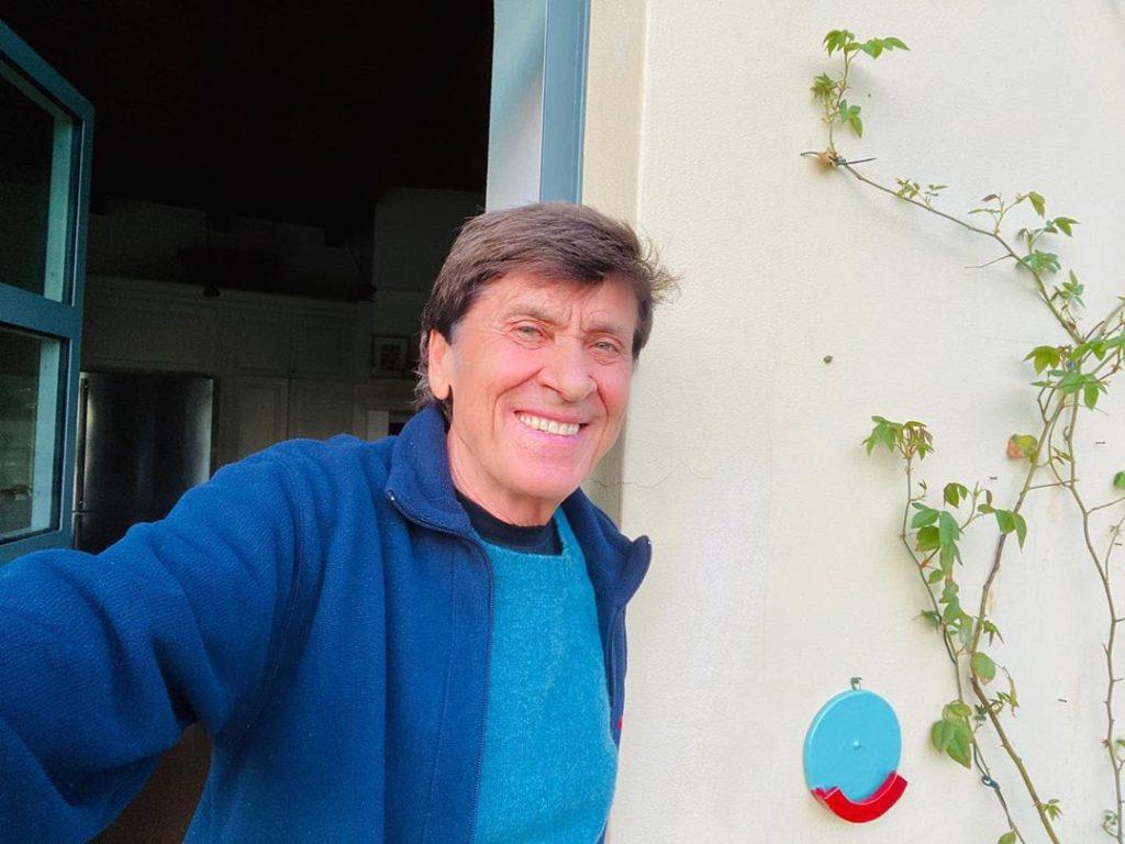 Gianni Morandi a casa