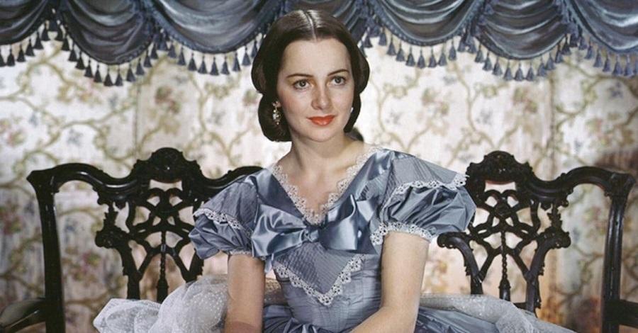 Olivia de Havilland in una scena del film Via col vento