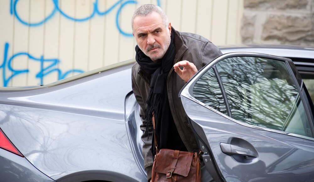 Giorgio Panariello in una scena del film Uno per tutti
