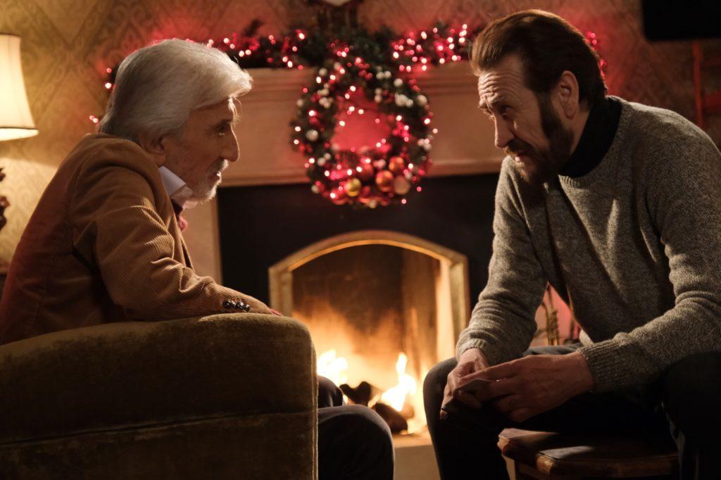 Una scena del film Io sono Babbo Natale con Gigi Proietti e Marco Giallini