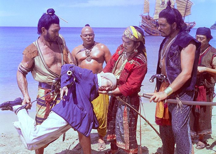 Una scena del film Robinson nell'isola dei corsari