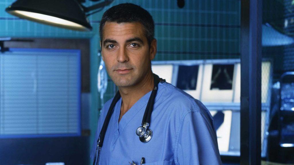 Un primo piano di George Clooney in E.R. - Medici in prima linea
