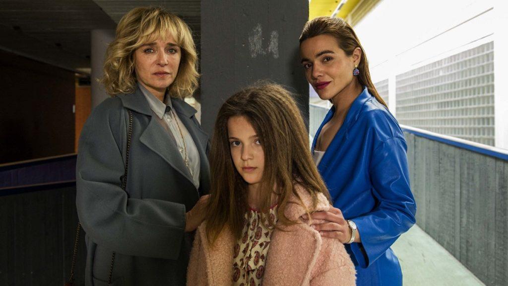 Valeria Golino, Cristina Magnotti e Pina Turco in una scena di Fortuna