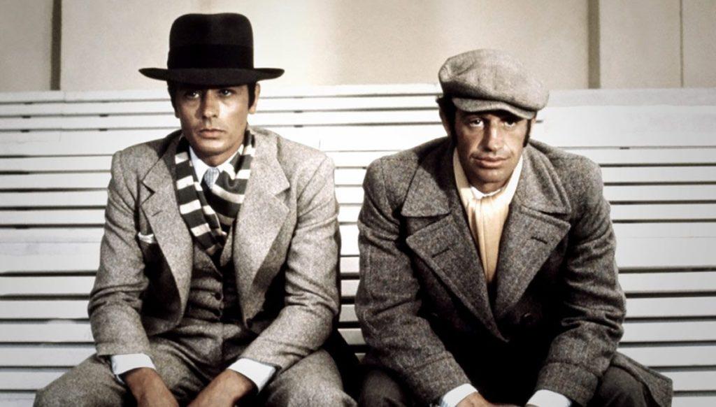 Alain Delon e Jean-Paul Belmondo insieme in una scena del film Borsalino